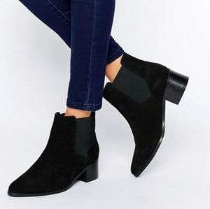 ASOS REALITY Wide Fit Suede Ankle Boots sz 5 (US7)